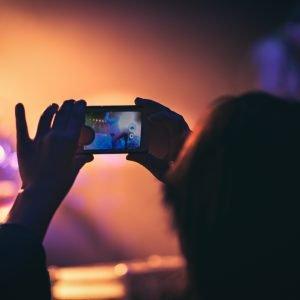 live konzert mit Handy gefilmt